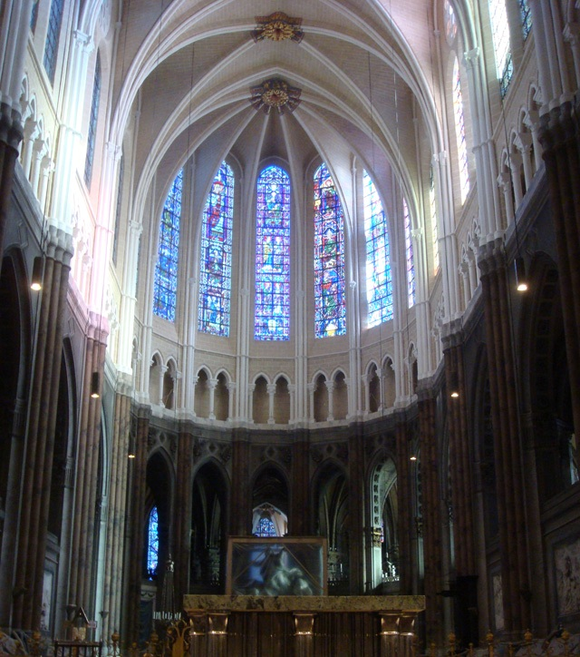 4.Chartres-cathedral
