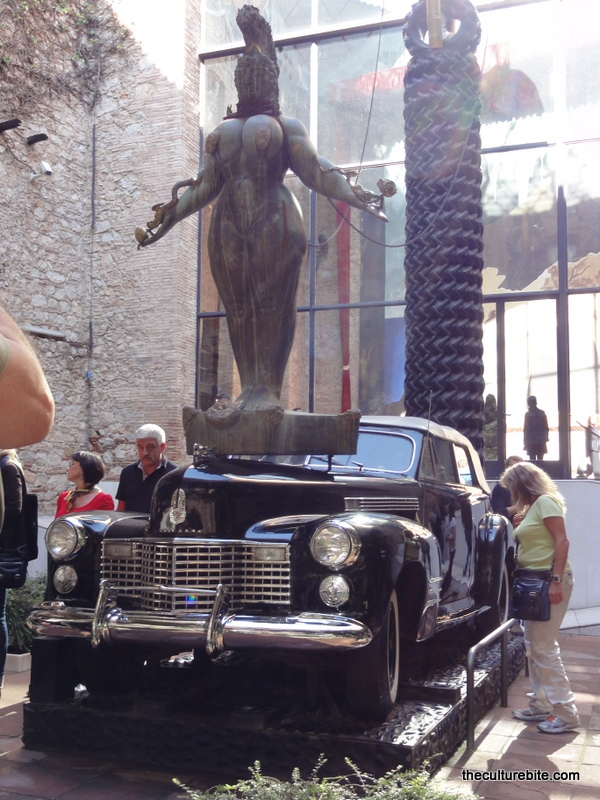 Barcelona-Figueres-Dali-Museum-Cadillac